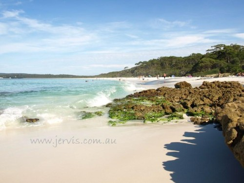 Hyams Beach white sand