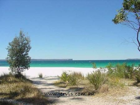 Walk to this Jervis Bay Beach - south coast NSW